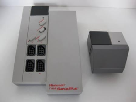 Satellite (Wireless 4-player adapter) - NES Accessory